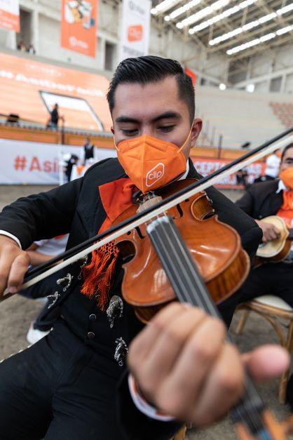 Clip logra récord Guinness al son del mariachi