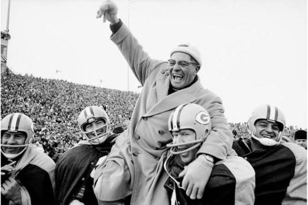¿Quién diseña el trofeo Vince Lombardi del Super Bowl?