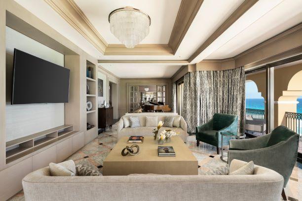 The Ritz-Carlton Cancún y Tiffany & Co. celebran contigo
