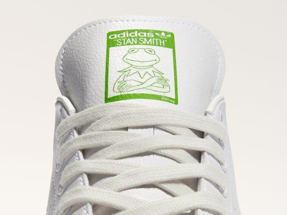 Kermit All Over Print: sneakers sostenibles de adidas y Disney