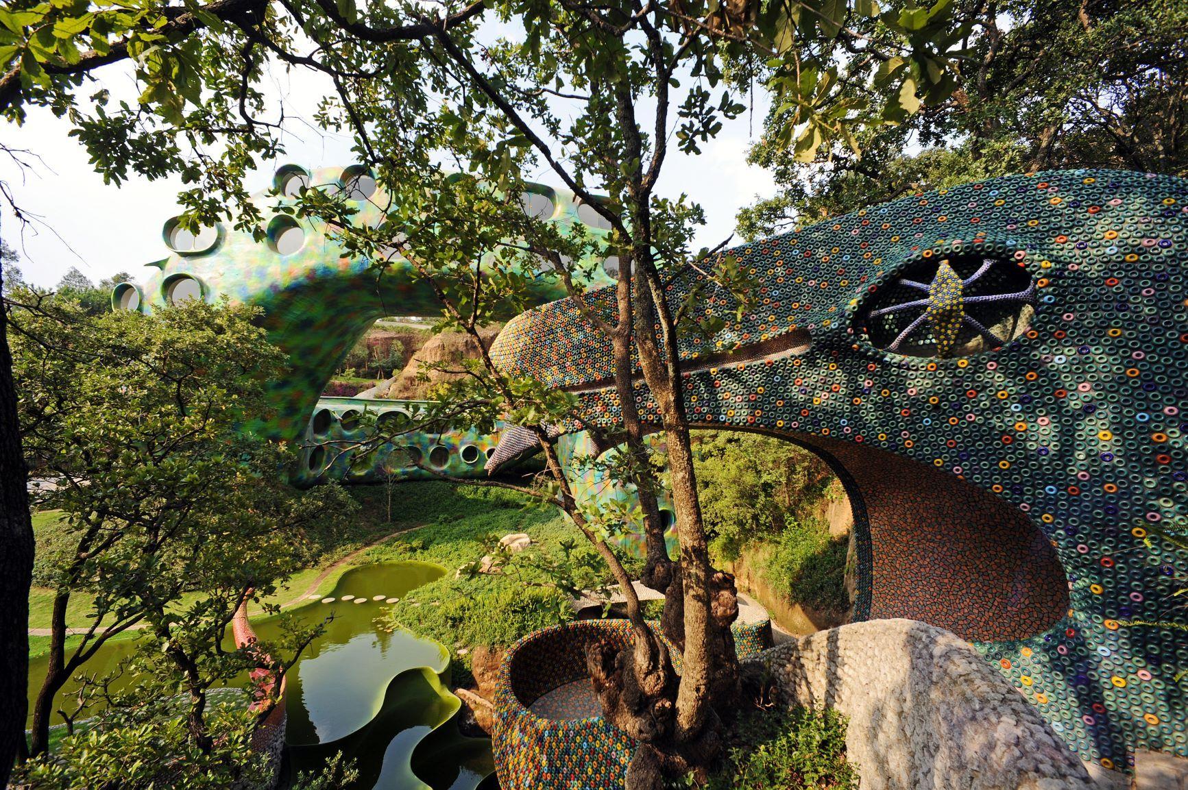 Nido de Quetzalcóatl: Duerme dentro de una serpiente
