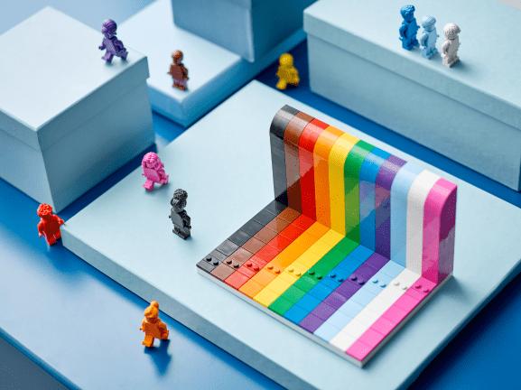 """LEGO celebra la diversidad con el set """"Todo el mundo es fabuloso"""""""