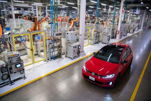 """""""Las golondrinas"""" al Golf. Volkswagen le dice ¡Hasta la Vista!"""